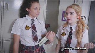 نيك في المدرسة مدرس يتحرش بطالبة ويمتعها نيك نار عنيف xxx أنبوب عربي